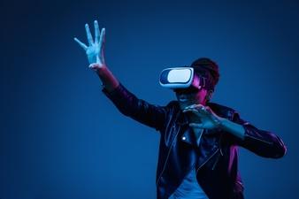 Comment choisir un casque de réalité virtuelle pour son PC ?